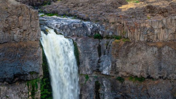 A Run At Palouse Falls