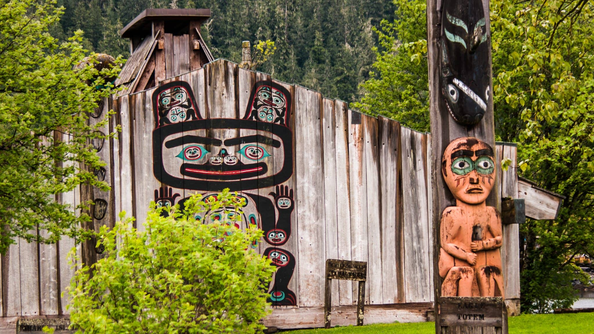 Chief Shakes Tribal Home